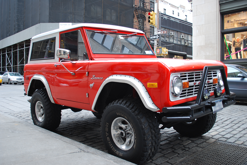 ford-bronco-302