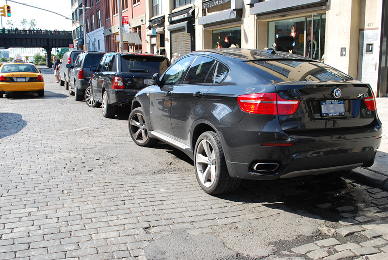 Bmw X6 West 14th Street Nyc Man On The Move