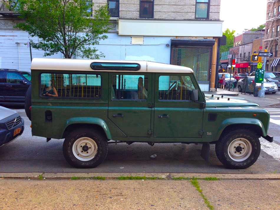 Land Rover Defender 110 - West 17th Street, NYC