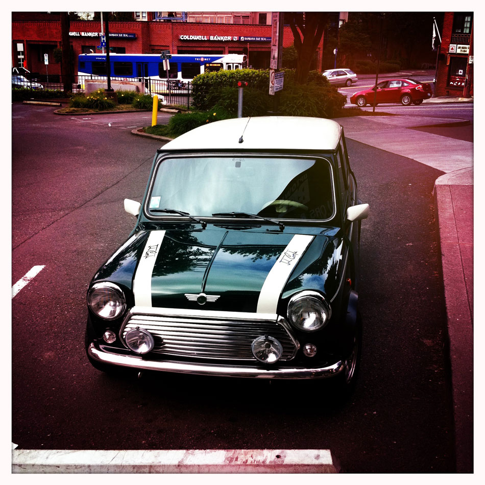Mini Cooper Classic - SW Burnside & Vista, Portland